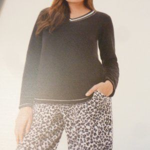 ARIA's  2 Piece Stretch Microfleece Pajama Set